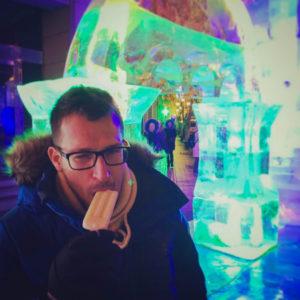 Sebastian Zelada eating a popsicle at minus 25 degrees Celsius.